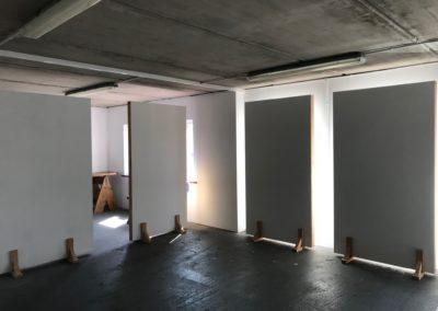 2white walls